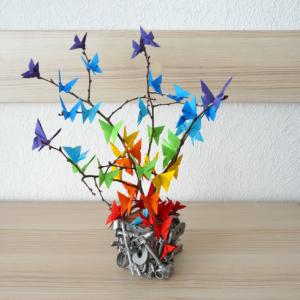 Изделие для интерьере дерево с бабочками