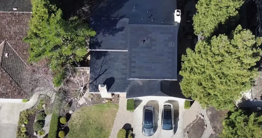Солнечная черепица для загородного дома от Tesla